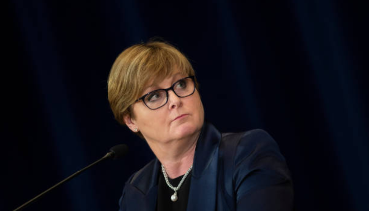 Australian Defence Minister asks for sick leave and Foreign Minister to take over defense affairs